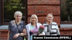 Юлия Пашаева с потомками репрессированных