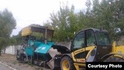 Фото автора: «национализированная» дорожная техника, оставшаяся после «Евро 2012» в Украине