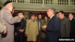 Миңнеханов Өремче мәчетендә татарлар белән очраша, 2014 ел