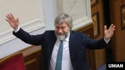 Народний депутат Вадим Новинський у сесійній залі Верховної Ради України, Київ, 29 серпня 2019 року