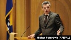 Konstitutivnost samo na papiru nije dobra: Ognjen Tadić