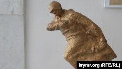 Скульптура «Александр Матросов» крымского мастера Виталия Зайкова
