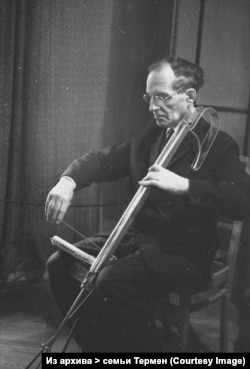 Лев Термен и термен-виолончель, 1960-е, Московская консерватория