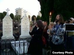 La mormântul lui Arthur Rimbaud, Charleville-Mezieres, Franţa