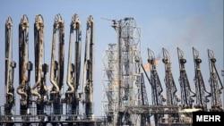 Нафтове родовище на острові Харґ в Ірані
