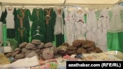 В Ашхабаде открылась ярмарка школьных принадлежностей