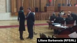 Corina Fusu cu Valeriu Muntean în Parlament