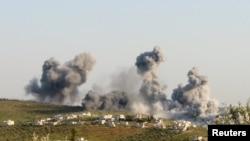 Воздушные удары по территории города Атимах в провинции Идлиб. Сирия, март 2015 года.