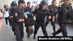 Задержания на протестах в Москве