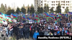 Opposition activists in Azerbaijan are rallying in the capital of the former Soviet republic demanding the release of individuals considered by international rights groups to be political prisoners.