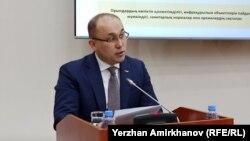 Ақпарат және қоғамдық даму министрі Дәурен Абаев.
