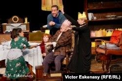Mariana Mihuț, Victor Rebengiuc, Ana Ciontea, Florentina Țilea, Șerban Pavlu în Eugen Ionesco, Regele moare