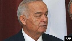 Uzbek President Islam Karimov is hosting the Turkmen president.