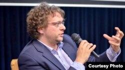 Британский журналист и телепродюсер Питер Померанцев.