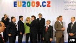 Czech Republic -- Participants of an EU-Eastern Partnership Summit, Prague, 07May2009