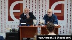 Письменник і бізнесмен Іван Корсак (ліворуч)