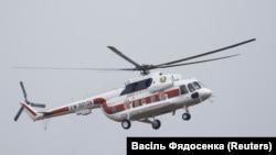 Верталёт Лукашэнкі над палігонам пад Барысавам