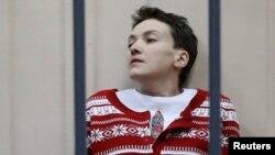 Надежда Савченко на заседании суда 4 марта 2015 года