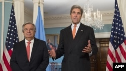Следниот шеф на ОН, Антиониот Гутереш и државниот секретар на САД, Џин Кери зборуваат на прес-конференција во Вашингтон.