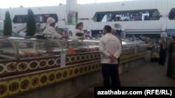 Продавцы на рынках с 6 июля обязаны носить маски, Ашхабад