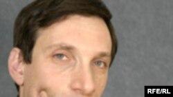 Автор — Виталий Портников, политический обозреватель РС. Специализируется на проблемах постсоветского пространства, отношениях России со странами СНГ, Центральной и Восточной Европы.
