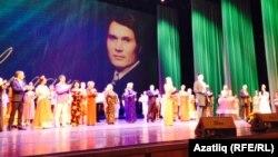 Илһам Шакировның 80 яшенә багышланган юбилей концертыннан күренеш