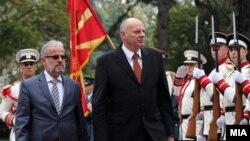 Косовскиот министер на безбедносните сили Агим Чеку се сретна со министерот за одбрана Талат Џафери во Скопје.