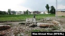 بقايا من المجمع الذي كان يختبئ فيه بن لادن بمدينة أبوت آباد بعد أن ساوته السلطات الباكستانية بالأرض