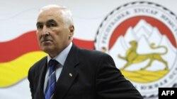 Согласование кандидатуры нового посла с Кремлем будет небыстрым: следующая церемония вручения грамот пройдет минимум через полгода