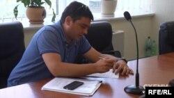 Євгеній Рівний, який представився адвокатом Оксани Пасенко, з'явився на розгляд апеляції 25 квітня