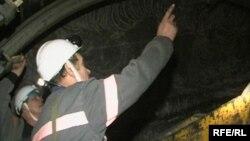 Инструктаж по технике безопасности в одной из шахт Караганды.