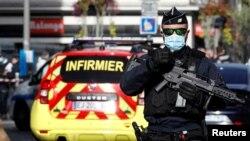 یک مرد روز پنجشنبه با حمله به کلیسایی در شهر نیس سه نفر را کشت.