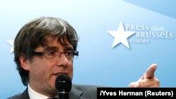 Карлес Пучдемон на пресс-конференции в Брюсселе, 31 октября 2017