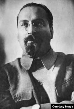 Lev Karahan, ambasadorul sovietic în Polonia (Foto: Biblioteca Centrală Universitară, Iași)