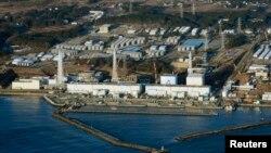 АЕС «Фукусіма-1» на фото 11 березня 2013 року