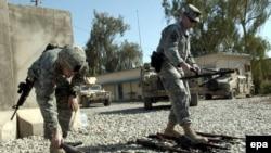 نیروهای آمریکایی عملیات گسترد ه ای علیه پایگاه های نظامی القاعده در عراق را آغاز کرده اند.
