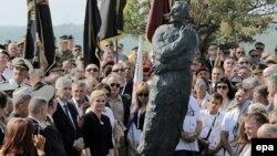 "Predsednica Hrvatske Kolinda Grabar Kitarović na obeležavanju ""Oluje"" pored spomenika Franji Tuđmanu"
