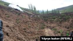 Последствия схода оползня в селе Аюу. 29 апреля 2017 года.