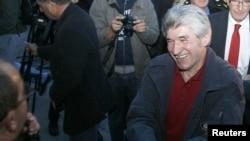 Ilija Jurišić po povratku u Tuzlu nakon oslobađanja iz zatvora u Beogradu, oktobar 2010.