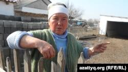 Жительница села Байыркум Южно-Казахстанской области Гульжамиля Куралова. 19 февраля 2014 года.