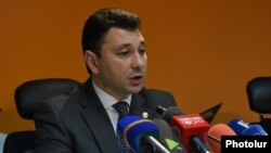 Armenia - Eduard Sharmazanov, the spokesman for the ruling Republican Party of Armenia, at a news conference in Yerevan, 13Apr2016.