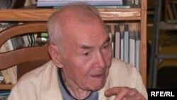 Усман Әлмиев