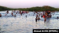 Iraq,Anbar, Sweming in Efrat,Jul2010
