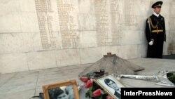Ветераны грузино-абхазского конфликта объявили голодовку перед мемориалом павшим за территориальную целостность Грузии
