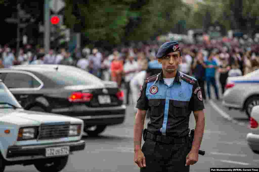 Чара полиция контролендә Баграмян проспекты, 27 июнь