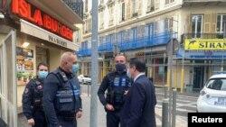 Франция полицейлер.