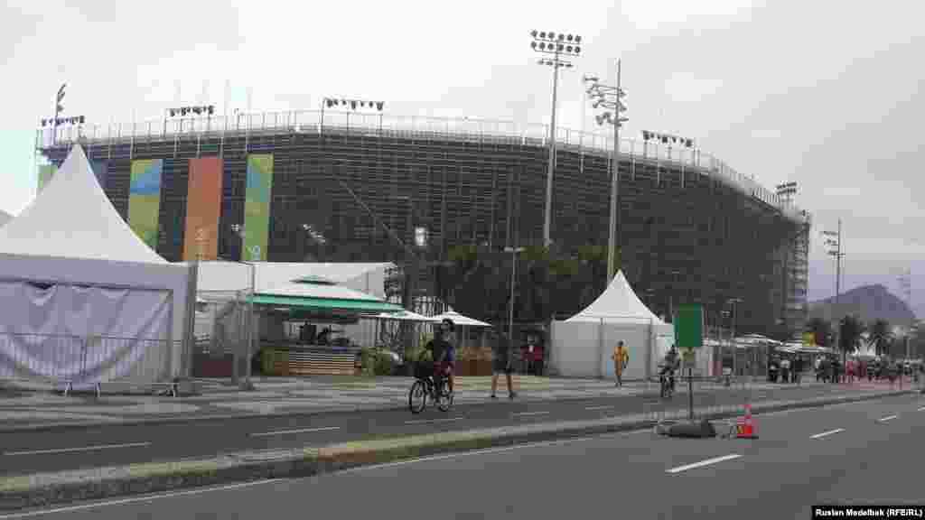 Арена, на якій пройдуть змагання з пляжного волейболу, розташована на пляжі Копакабана