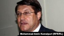 د افغانستان د سوداګرۍ وزیر انورالحق احدي