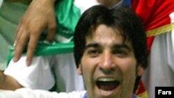 شمسایی در مسابقه فینال دو گل ساخت، يک گل زد و همه تماشاگران اين بازی را تحت تاثير نمايش بی نظير خود قرار داد.