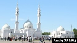 Ак мәчет (Белая мечеть) в Болгаре